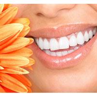 Tẩy trắng răng tại nhà với kem tẩy trắng Plus White