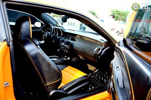 Xe cơ bắp Camaro uy lực trên phố SG - 10