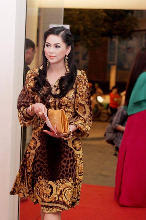 Mẹ chồng Tăng Thanh Hà khoe nét tươi trẻ - 4