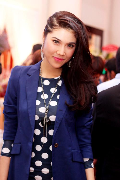 Mẹ chồng Tăng Thanh Hà khoe nét tươi trẻ - 10