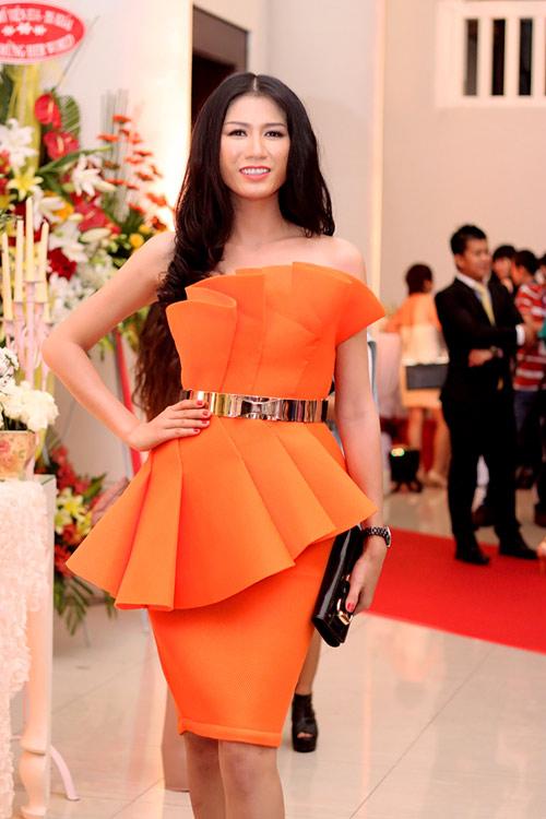 Mẹ chồng Tăng Thanh Hà khoe nét tươi trẻ - 14
