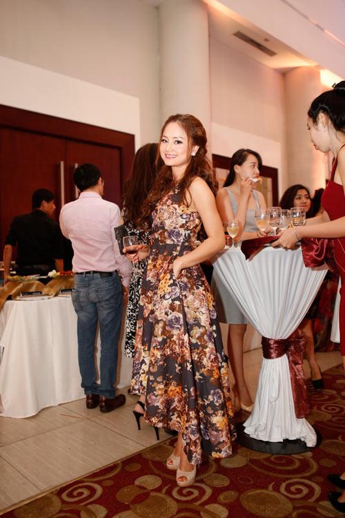 Mẹ chồng Tăng Thanh Hà khoe nét tươi trẻ - 11