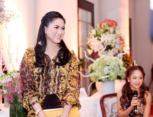Mẹ chồng Tăng Thanh Hà khoe nét tươi trẻ - 5
