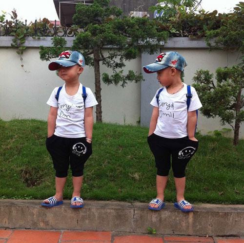 Minh Vương khoe 2 quý tử song sinh - 10