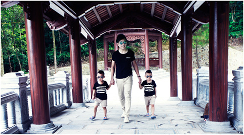 Minh Vương khoe 2 quý tử song sinh - 15