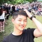 - Toàn cảnh mỹ nam Song Joong Ki nhập ngũ