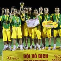 Khán giả Quảng Nam cuồng nhiệt với Cúp Bia Saigon