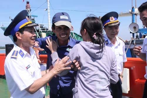 """Cảnh sát biển Việt Nam """"khoe"""" trang bị mới - 10"""