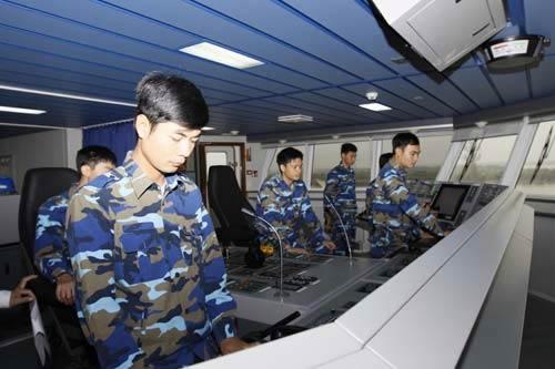 """Cảnh sát biển Việt Nam """"khoe"""" trang bị mới - 2"""