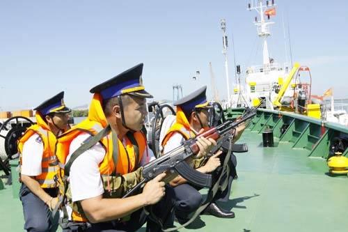 """Cảnh sát biển Việt Nam """"khoe"""" trang bị mới - 5"""