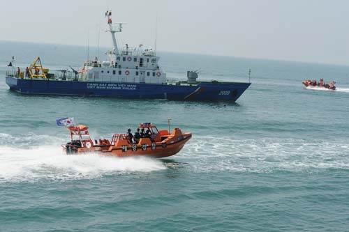 """Cảnh sát biển Việt Nam """"khoe"""" trang bị mới - 7"""