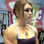Chuyện lạ - Hotgirl cơ bắp Nga khiến phái mạnh vừa thèm vừa ghen