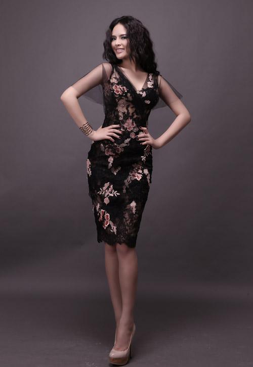 Hương Thảo chọn váy xuyên thấu đi thi - 10