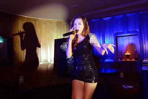 Đinh Hương tự tin hát bài hit của Rihanna - 3