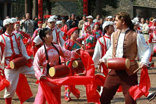 Tân Hoàn Châu: Mới mẻ và hài hước - 2