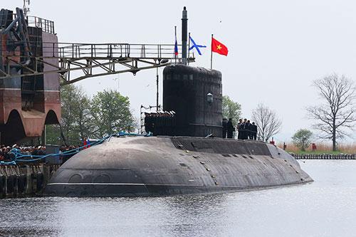 Ký biên bản nghiệm thu Tàu ngầm Hà Nội - 1
