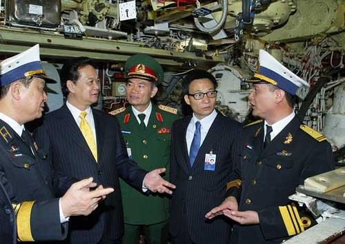 Ký biên bản nghiệm thu Tàu ngầm Hà Nội - 2