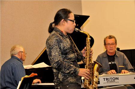 Saxophone Trần Mạnh Tuấn và những tai họa trời giáng - 3