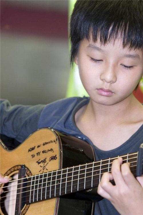 Thần đồng guitar Hàn Quốc đến Việt Nam - 2
