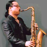 Saxophone Trần Mạnh Tuấn và những tai họa trời giáng
