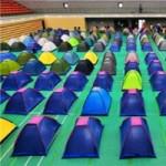 Giáo dục - du học - TQ: Dựng lều cho phụ huynh đưa con nhập học