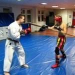 Thể thao - Sự khác biệt giữa Karate và Muay Thai
