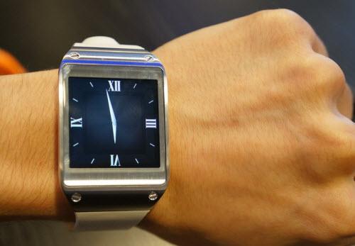 Đồng hồ thông minh Samsung Galaxy Gear trình làng - 5