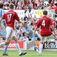 Độc giả bầu chọn bàn đẹp nhất của Bale