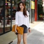 Thời trang - Chọn và mix áo thun cho ngày se lạnh