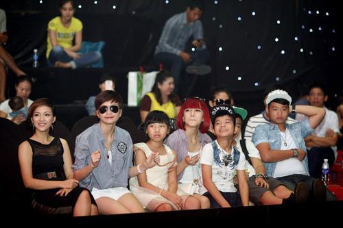 Thí sinh The Voice Kids hết mình cho chung kết - 12