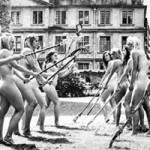 Phi thường - kỳ quặc - 70 sinh viên rủ nhau chụp lịch nude