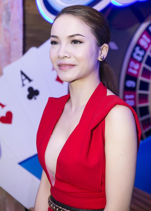 Yen Trang Nude Photos 27