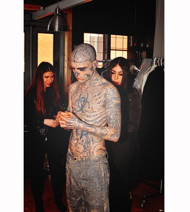 Riddick hợp tác cùng Gaga trong rất nhiều show thời trang