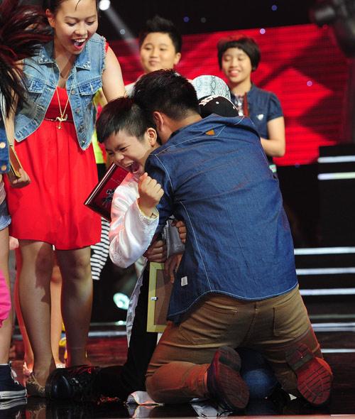 """Quang Anh thắng thuyết phục trước """"bão scandal"""" - 2"""