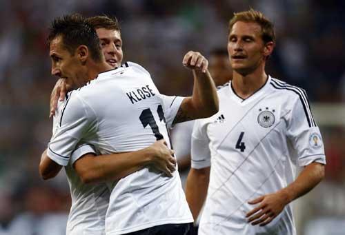 Vòng loại WC 2014: Brazil đón thượng khách - 1