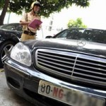Ô tô - Xe máy - Không nộp thuế không trả hồ sơ xe biển ngoại giao