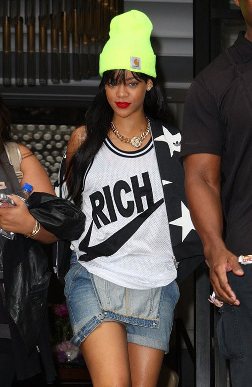 Ngắm Rihanna mặc đồ thể thao cực chất - 4