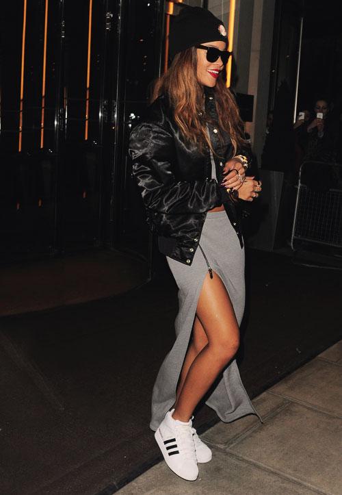 Ngắm Rihanna mặc đồ thể thao cực chất - 6