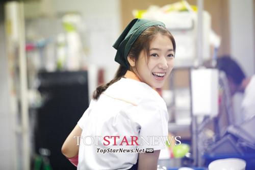 """""""Bạn gái mới"""" của Lee Min Ho - 2"""