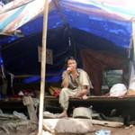 """Đại gia đình  """" người rừng  ở tạm lều 10m2"""