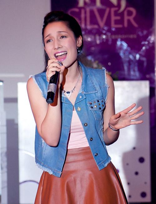Mỹ Linh rất tự hào về Anna Trương - 5