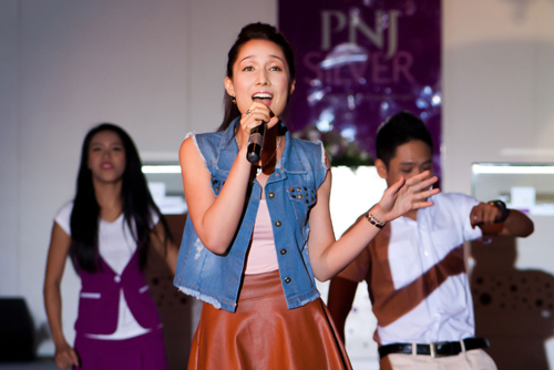 Mỹ Linh rất tự hào về Anna Trương - 6