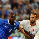 Bóng đá - Italia - CH Séc: Giành vé sớm