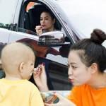 Phim - Hoàng Thùy Linh lái xế xịn đi từ thiện