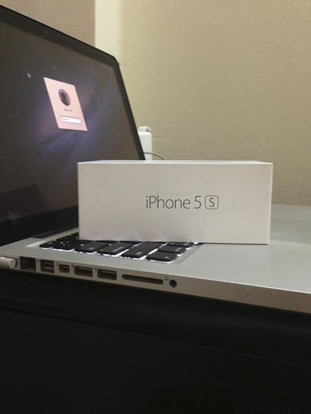 Đập hộp iPhone 5S tại Việt Nam giá khủng - 2
