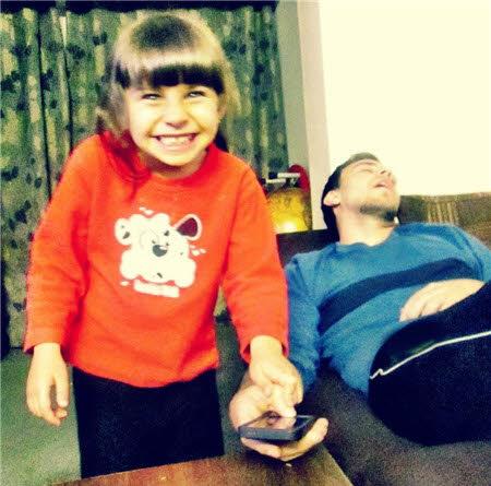 """Bé gái """"bẻ khóa"""" công nghệ nhận diện vân tay trên iPhone 5S - 2"""