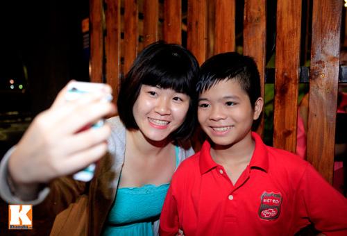 Quang Anh mang đặc sản Thanh Hóa mời cả đội - 6