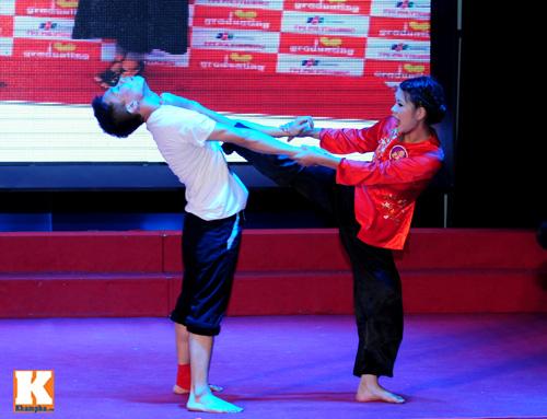 Hoa khôi sinh viên HN phô diễn tài năng - 15