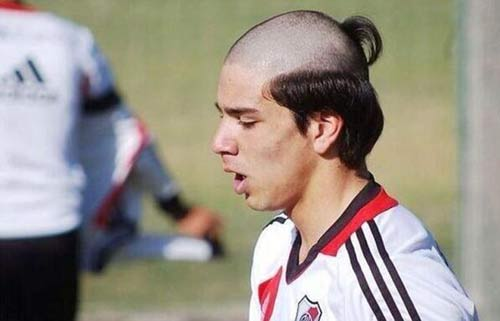 Benzema tái hiện kiểu tóc kỳ dị - 2