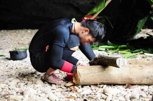 Sao Việt trải nghiệm cuộc sống nguyên thủy - 8